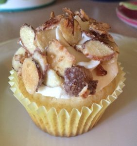 toasted-almond-cupcakes