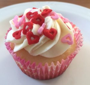 heart-month-cupcakes