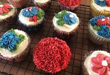 patriotic floer cupcakes
